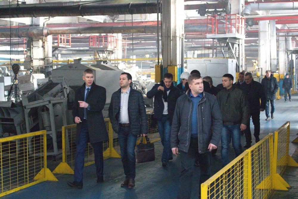 Экскурсия по территории завода с генеральным директором Антиповым Н.С.